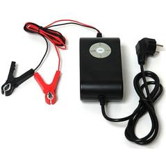 Univerzálna nabíjačka batérií