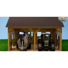 Kids Globe Drevená stodola pre 2 poľnohospodárske stroje 1:16